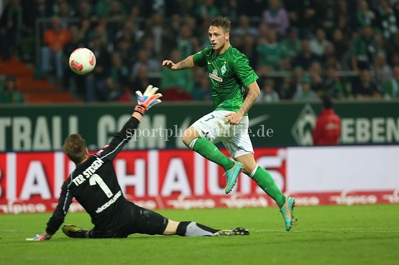 1. Bundesliga 12/13 - SV Werder Bremen vs. Borussia Moenchengladbach.