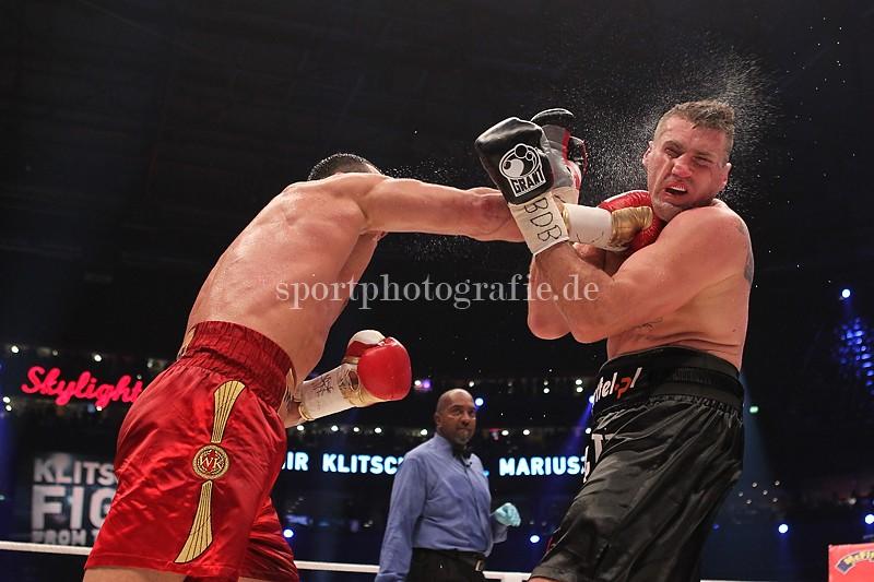 GER, WBA-, IBF,- WBO- und IBO-Schwergewicht, Wladimir Klitschko (UKR) gegen Mariusz Wach (POL)